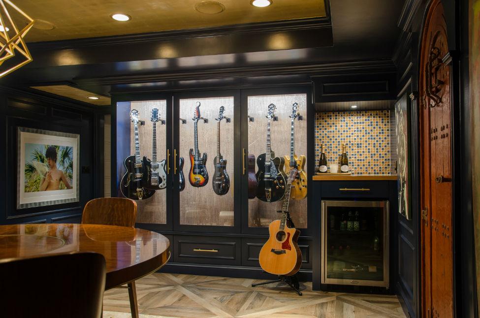 Guitar Display Verve Design