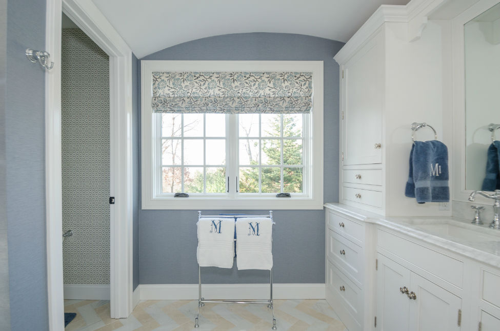 Sleep Hollow Master Bathroom